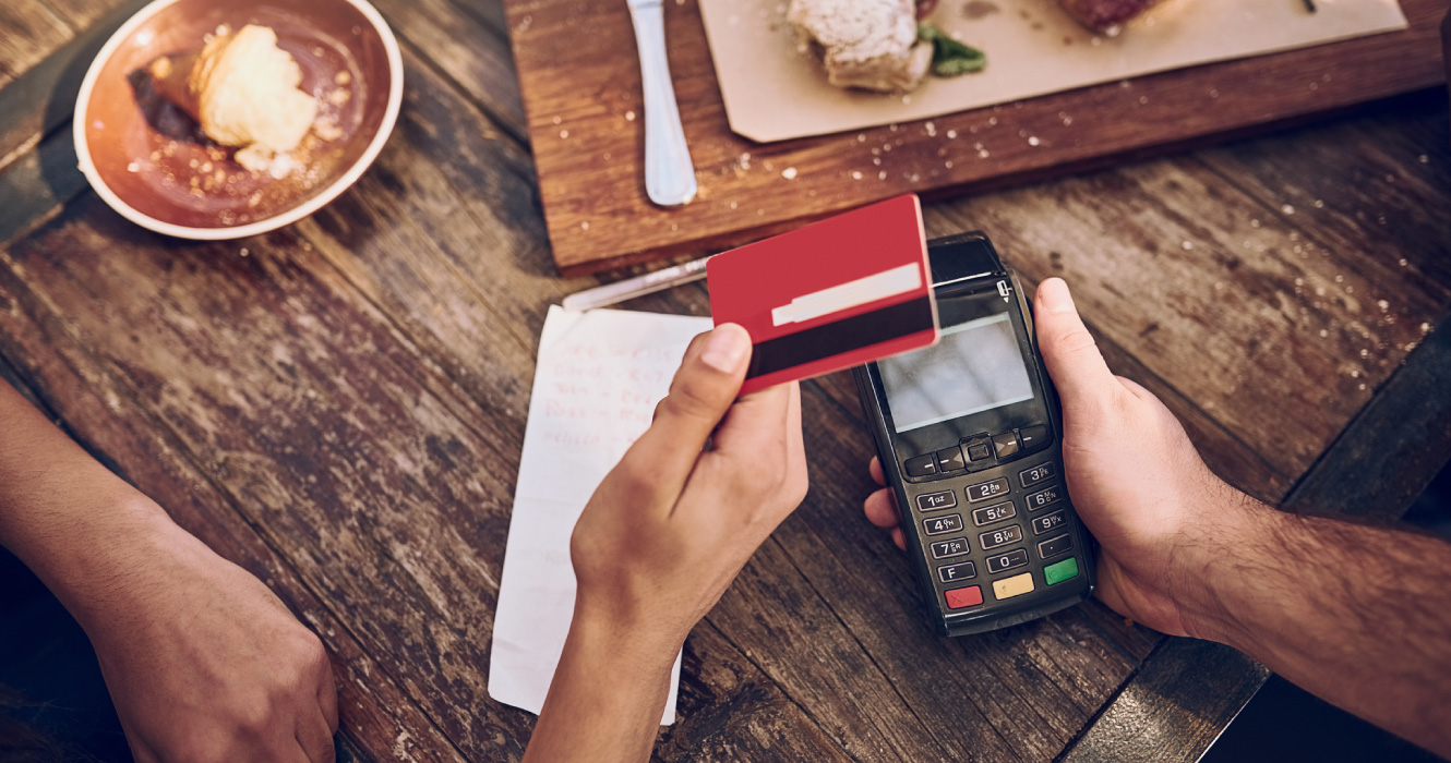 credit card payment at restaurant